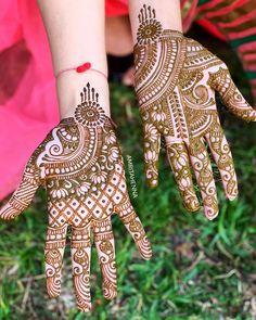 Mehndi Design Offline is an app which will give you more than 300 mehndi designs. - Mehndi Designs and Styles - Henna Designs Hand Pretty Henna Designs, Indian Henna Designs, Latest Henna Designs, Henna Tattoo Designs Arm, Back Hand Mehndi Designs, Bridal Henna Designs, Beautiful Mehndi Design, Best Mehndi Designs, Simple Mehndi Designs
