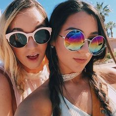 """Our famous quote """"A BRUNETTE AND A BLONDE WITH AN INSEPARABLE BOND"""" (in the annoying voice) lol love you Lisha ☀️"""