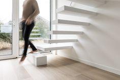 Prijs Zwevende Trap : De wallclimber concrete is een zwevende betonnen trap van genico