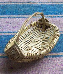 Detailed instructions on how to make this melon basket