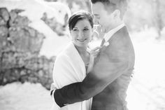 winter wedding couple in black and white photographed by Hanna Witte