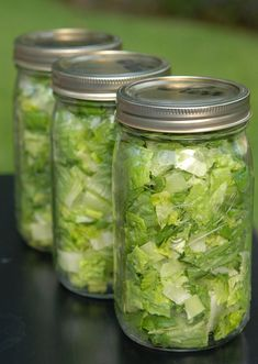 Salad in a jar - read how to keep salad fresh for one week!