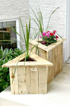 Pallet Planters - Pallet Projects - 150 Easy Ways to Build Pallet Projects - DIY & Crafts