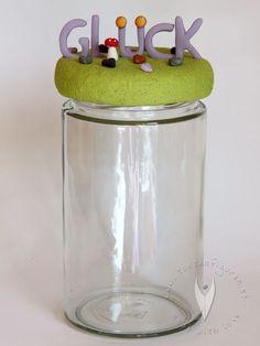 Glück Glas als individuelles Geschenk Urn, Home Decor, Personalized Gifts, Decoration Home, Room Decor, Home Interior Design, Home Decoration, Interior Design