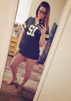 Nfl Football Teams, Packers Football, Steelers Fans, Green Bay Packers Wallpaper, Nfl Green Bay, Gorgeous Feet, Beautiful Women, Photoshoot, Beauty