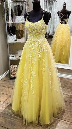 Cute Prom Dresses, Pretty Dresses, Beautiful Dresses, Formal Dresses, Formal Wear, Yellow Evening Dresses, Evening Gowns, Yellow Lace, Pastel Yellow