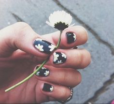 Oh I love the art and the little flowers look so hard to do but are so pretty!