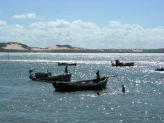 La pêche se prépare et les marins rejoigne leurs bateaux à la nage. Images, Boat, Sailors, June, Ships, Travel, Dinghy, Boats, Ship