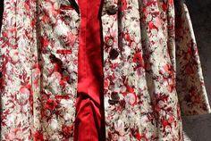 Les vêtements vintage sont-ils la nouvelle tendance chic? - Is vintage clothing the new chic?Merci #3cstyle & Dominique Nancy pour ce belle article sur le #Vintagestyle & BTW this jacket is available ERA VINTAGE WEAR  Open today Saturday til 5PM
