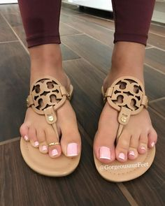 Nice Toes, Pretty Toes, Beautiful Sandals, Beautiful Toes, Feet Soles, Women's Feet, French Tip Toes, French Pedicure, White Toenails