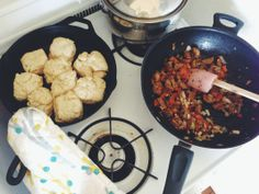 boyfriend approved: vegan biscuits + gravy | fourthandolive.com