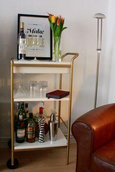 DIY Barwagen gold günstig von IKEA - Einrichten eurer kleinen eigenen Hausbar, goldener Servierwagen günstig, Bar Cart Cheap