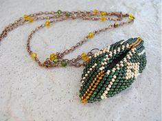 Ridgways / Geometria..zeleno zlatá...náhrdelník