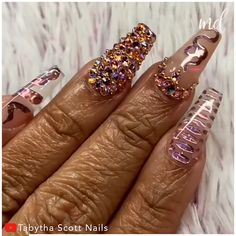 Full bling manicure? Say no more! By @tabythascott_nails