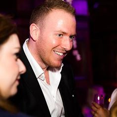 Hire our professional weddings magician in London & the UK.
