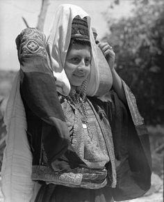 Bethlehem-بيت لحم: Women of Bethlehem 102 - (1939-45)