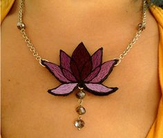 Embroidered lotus necklace - JEWELRY AND TRINKETS