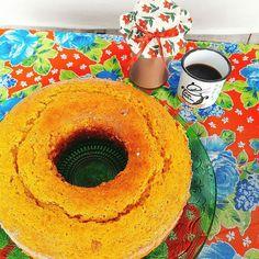 Fim de semana pede Bolo de Cenoura com Calda de Brigadeiro. #bolodecenoura #brigadeiro 🌱🐟🐄🍫🍰 @donamanteiga #donamanteiga #danusapenna #amanteigadas #gastronomia #food #bolos #tortas www.donamanteiga.com.br