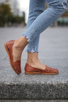 mexican outfit party with boots - mexican outfit party ; mexican outfit party with boots ; Mexican Shoes, Mexican Outfit, Fashion Wear, Fashion Shoes, Bohemian Shoes, Sandals Outfit, Pretty Shoes, Summer Shoes, Swagg