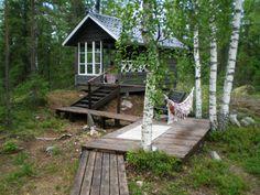 Polun päähän pihasauna Sauna Ideas, Cottage Homes, Little Houses, Cottages, Tiny House, Summertime, Cabin, Plants, Staircases
