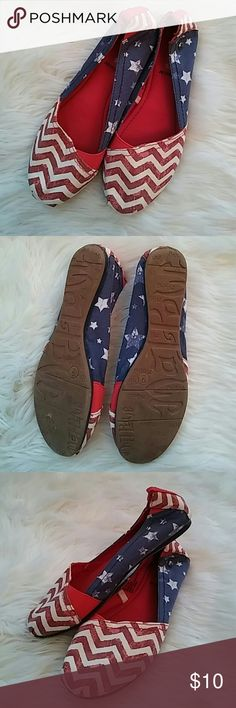 Womens Size 9 Red White and Blue Slip-on Shoes In great pre-owned condition. Showing some signs of wear on the bottoms. I am not sure what the tag reads but I believe these were purchased at Target. Comes from a smoke free home. Shoes Espadrilles