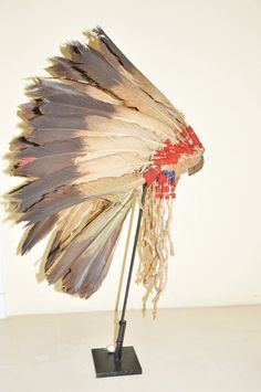 Blackfoot-(immature golden eagle feathers)-1860 War Bonnet, Eagle Feathers, Golden Eagle, Headdress, Nativity, Native American, Indian, Decor, Decoration