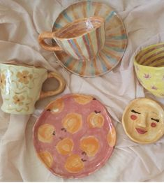 Ceramic Pottery, Pottery Art, Ceramic Art, Ceramics Pottery Mugs, Pottery Shop, Pottery Painting, Ceramic Painting, Keramik Design, Clay Art Projects
