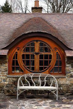 Fachada de la casa hobbit que el arquitecto Peter Archer realizó por encargo en Filadelfia.