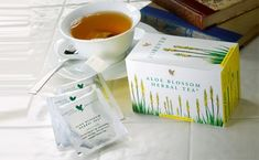 Aloe Blossom Herbal Tea is a natural blend of leaves, herbs and spices, specially prepared to provide an outstanding flavor and a rich aroma. Forever Aloe, Forever Living Aloe Vera, Aloe Vera Gel, Aloe Blossom Herbal Tea, Reflux Gastrique, Digestion Difficile, Clean9, Forever Business, Natural Kitchen