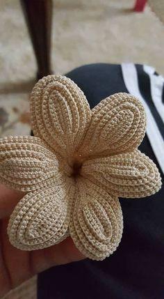 Irish lace Irish crochet flower motifs, off white flower applique, Irish crochet decor, wedding decor Set of 3 Filet Crochet, Crochet Motifs, Crochet Stitches, Lace Flowers, Crochet Flowers, Crochet Lace, Irish Crochet Patterns, Crochet Designs, Tattoo Dentelle
