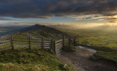 Hope Valley, Peak District, England By Andy Gray  I made an early start to get to the top of Mam Tor on this particular winter's morning. This is a very popular spot for landscape photographers ...  https://f11news.com/05/07/2017/hope-valley-peak-district-england-by-andy-gray