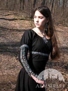 La robe fantastique médiévale ArmStreet                                                                                                                                                                                 Plus