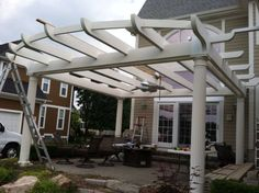 Construction - front support boards Curved Pergola, Rainbow Light, Strip Lighting, Boards, Backyard, Construction, Outdoor Structures, Led, Lights