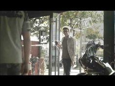 """Muito interessante o anúncio que a Harley fez aqui no Brasil para convencer um cliente a ser um mais novo """"Harleyro:!"""