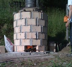 Nando gives an illustrated introduction to the construction and use of the CarbonZero Experimental Biochar Kiln.