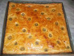 Temps depréparation : 45 min Temps decuisson : 20 min Nombre de personnes : 6 Ingrédients : Pour la pâte à pizza : Farine, 1 verre d'eau, 1 verre de lait, 1 verre d'huile, 1/2 c-à-c …