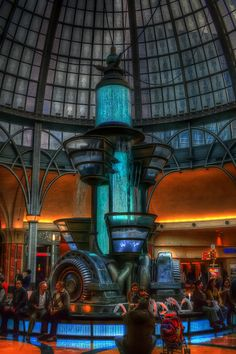 steampunk fountain in niagara casino