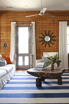 Casual, beach-inspired interiors by Amy Trowman (via Desire to Inspire).