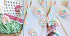 ¿A quién no le gusta un dulce? Y mucho más si está bien presentado, ¿verdad? Por eso, nos han encantado estas piruletas.