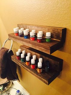 A tutorial on how to build essential oil french cleat mounted shelves for the bathroom or kitchen. Essential Oil Holder, Essential Oil Storage, Citrus Essential Oil, Healing Oils, Aromatherapy Oils, Infused Oils, Natural Cleaning Products, Young Living Essential Oils, Wood Projects