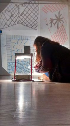 """ÚLTIMA SEMANA de #ArtInProgress @ChicoLopezJM ha participando en exposiciones como:  En 2013-14 """"Neighbour, artistas de proximidad en la colección permanente"""" CAC MÁLAGA. – """"la Bolsa o la vida"""", Sala DBT Gibraleón y la Casa de Velázquez. Madrid. 2013 en el IV Certamen de dibujo contemporáneo Pilar y Andrés Centenera Jaraba, Madrid. 2012 – """"Última pintura en las colecciones del DA2 y Fundación Coca-Cola"""", Centro de arte la Regenta. Las Palmas de Gran Canaria y en DA2 de Salamanca."""