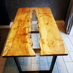 So I got bored with my resin dinning table so made this.... maple slabs supplied by @waneyedge_citylumberltd And legs supplied by @thehairpinlegco and finshed with @osmo_uk top oil,