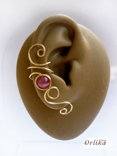 Hey, I found this really awesome Etsy listing at https://www.etsy.com/listing/90269611/wire-wrapped-ear-cuff