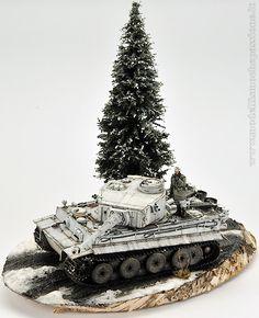 Winter diorama with the Josè Luis Lopez Ruiz's Tiger I in scale Military Diorama, Military Art, Sherman Firefly, Winter Camo, Germany Ww2, Tiger Tank, Model Tanks, Ww2 Tanks, Paper Models