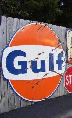 GULF OIL color sheme