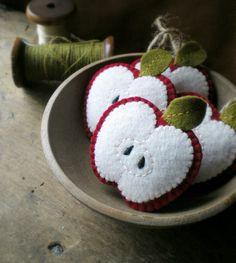 #felt crafts, felt apples... sweet teacher gift