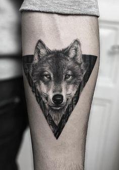 wolf tattoo for men, wolf tattoo ideas, wolf tattoo design, wolf tattoo models Band Tattoos, Tattoos 3d, Wolf Tattoos Men, Forarm Tattoos, Badass Tattoos, Trendy Tattoos, Body Art Tattoos, Tattoos For Guys, Cool Tattoos