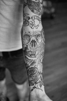 Skull grunge tattoo