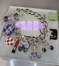 Charm Bracelets For Girls, Bangle Bracelets With Charms, Apple Watch Bracelet Band, Tiffany Store, Night Night, Fresh Shoes, I Love Jewelry, Luxury Jewelry, Jewelry Crafts