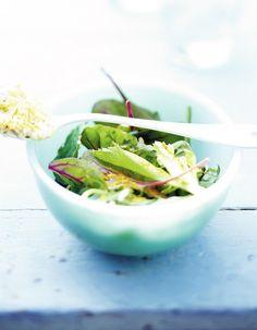 Au printemps, on a envie de fraîcheur et de verdure dans l'assiette. On mise sur les jeunes pousses qui cumulent les vertus.  http://www.elle.fr/Elle-a-Table/Les-dossiers-de-la-redaction/News-de-la-redaction/Jeunes-pousses-pourquoi-c-est-bon-pour-nous-2696347